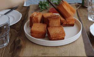 Bánh mì tôm chiên giòn rụm ngon trong từng miếng cắn