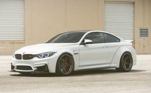 """BMW M4 độ widebody Liberty Walk """"đậm chất chơi"""""""