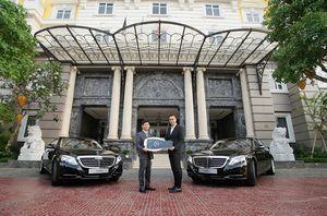 Mercedes-Benz bàn giao cặp S 500 L cho KS 5 sao Royal Hội An