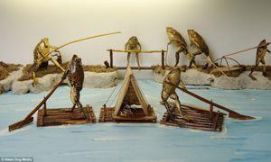 Ghé bảo tàng kì dị xem ếch 'tán gái', say xỉn và biểu diễn xiếc