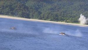 Bất ngờ xe tăng PT-76B Việt Nam vừa bơi, vừa bắn