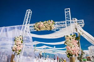 Đám cưới siêu mẫu Hà Anh: Gây sốc bằng màn rước dâu bằng trực thăng