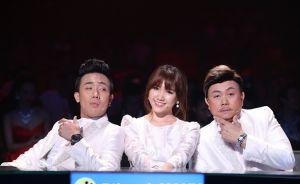Trấn Thành - Hari Won mặc đồ cưới lên sóng trực tiếp