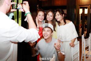 Tiệc đón bạn bè của Lâm Tâm Như hoành tráng cỡ nào?