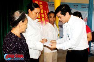 Hội Chữ thập đỏ Việt Nam khám, chữa bệnh cho người dân Kỳ Anh