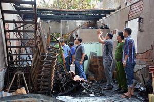 Bất lực nhìn 6 người trong nhà thầy giáo chết cháy
