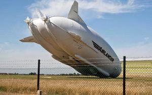 Máy bay lớn nhất thế giới Airlander 10 cắm đầu xuống đất