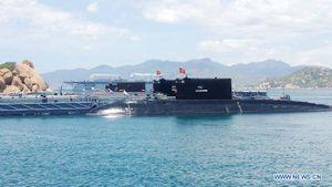 Việt Nam răn đe mạnh với tàu ngầm ở Biển Đông