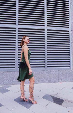"""""""Cô trò"""" Lan Khuê và Quỳnh Mai thu hút nhất trong street style tuần này"""
