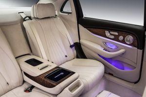"""""""Tiểu Maybach"""" Mercedes E-Class L chốt giá 1,46 tỷ"""
