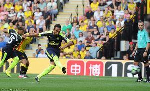 Chelsea lên đầu bảng, Arsenal có chiến thắng đầu tiên