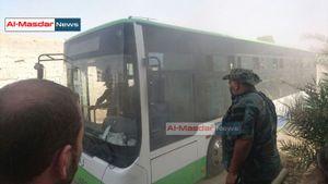 Phiến quân Syria đầu hàng lũ lượt rút khỏi thành phố chiến lược