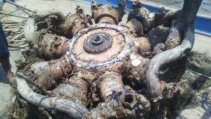 Ngư dân Nghệ An vớt được khối kim loại có hình thù lạ