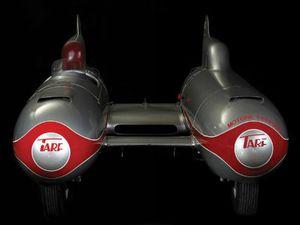 'Kinh hoàng' xe hơi kiểu ngư lôi có tốc độ gần 300 km/h