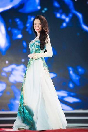 30 thí sinh hoa hậu khoe nét nền nã trong tà áo dài