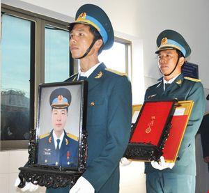 Vĩnh biệt Thiếu úy phi công Phạm Đức Trung
