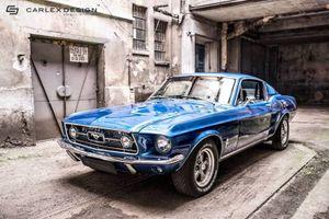 """""""Xế cụ"""" Ford Mustang 1967 độ nội thất siêu hiện đại"""