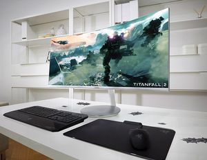 [IFA 2016] Samsung giới thiệu hai màn hình máy tính chơi game thiết kế cong và chấm lượng tử