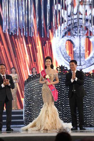 HOT: Top 3 Hoa hậu Việt Nam 2016 sẽ giao lưu khán giả vào 18h30 hôm nay!
