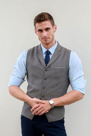 Lại thêm một thầy giáo Tây dạy tiếng Anh siêu hot, siêu đẹp trai khiến dân tình 'đứng ngồi không yên'
