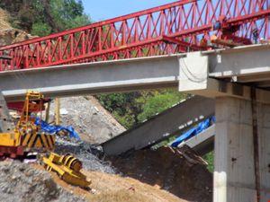 Ba dầm cầu trên cao tốc La Sơn-Túy Loan mới nghiệm thu bị sập gãy