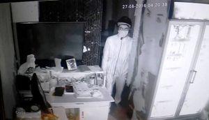 Chủ nhà ở Sài Gòn cung cấp hình ảnh kẻ trộm tiền tỷ