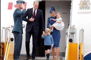 Ảnh: Hoàng tử nhí Anh hút ống kính phóng viên ở Canada