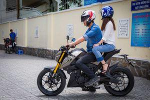 Yamaha TFX150 chỉ phù hợp để chở bạn gái; trai thì...