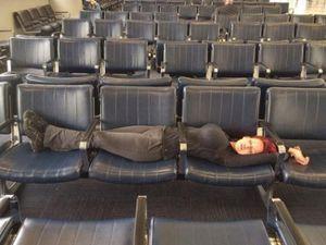 Bắt gặp hình ảnh 'oái oăm' chỉ có ở sân bay
