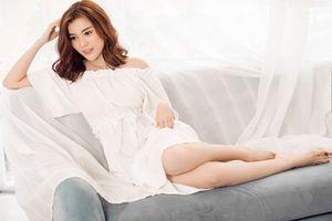 Cao Thái Hà giấu vẻ sexy sau lớp váy mỏng manh