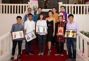Phạm Hương chọn trang phục cho người nối gót tại HH Hoàn vũ 2016