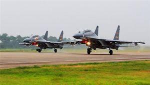 Trung Quốc đưa 40 máy bay ném bom qua eo biển Nhật Bản