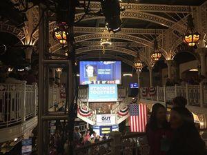 Hình ảnh trước giờ tranh luận trực tiếp Donald Trump-Hillary Clinton