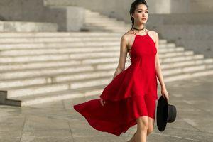 Học lỏm cách phối đồ sành điệu như sao Việt xuống phố mùa thu