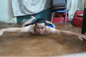 Clip: Hài hước cảnh người Sài Gòn dạy bơi cấp tốc ngay trong nhà