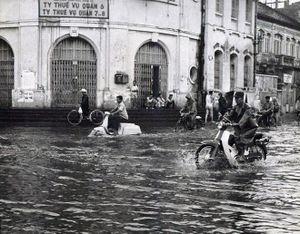 Ngập nước, kẹt xe ở Sài Gòn xưa