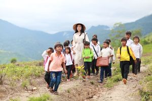 'Hậu duệ Mặt trời phiên bản Việt' của Angela Phương Trinh tung teaser đẹp như mơ