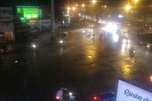 Sài Gòn lại đổ mưa tầm tã