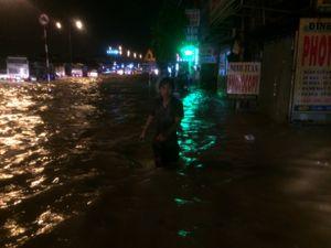 Đồng Nai: Đường cũng biến thành sông sau cơn mưa chiều 27/9