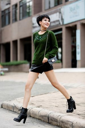 Thùy Trâm Next Top Model khoe phong cách cực 'chất' trên phố