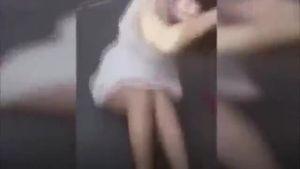 Cô gái bị xé rách toang váy, đánh đập dã man