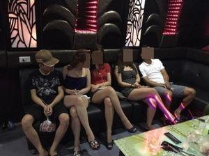 Chùm ảnh gái trẻ đẹp miền Tây trong quán karaoke Hải Phòng