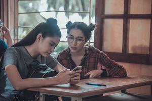 Chia tay Công Phượng, Hòa Minzy 'cực chất' trong phim kinh dị