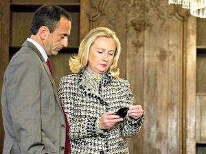 Không chỉ đối đầu nhau trên chính trường, ông Trump và bà Clinton còn trái ngược nhau về sở thích công nghệ
