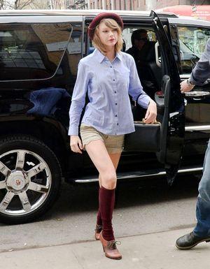 Taylor Swift: Tập gym cũng sành điệu 'hết nấc'