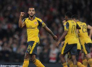 Walcott lập cú đúp, Arsenal thắng trận đầu tiên tại Champions League 2016/17