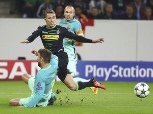 Barca thắng ngược 2-1, Man City hòa Celtic 3-3