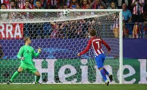 Griezmann hỏng penalty, Atletico vẫn 'bẻ nanh' Hùm xám