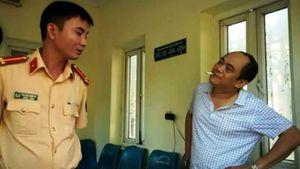 Phạt Giám đốc say rượu lao xe vào cổng UBND tỉnh 17 triệu