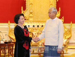 Chủ tịch Quốc hội gặp Tổng thống Myanmar và Chủ tịch Quốc hội Singapore